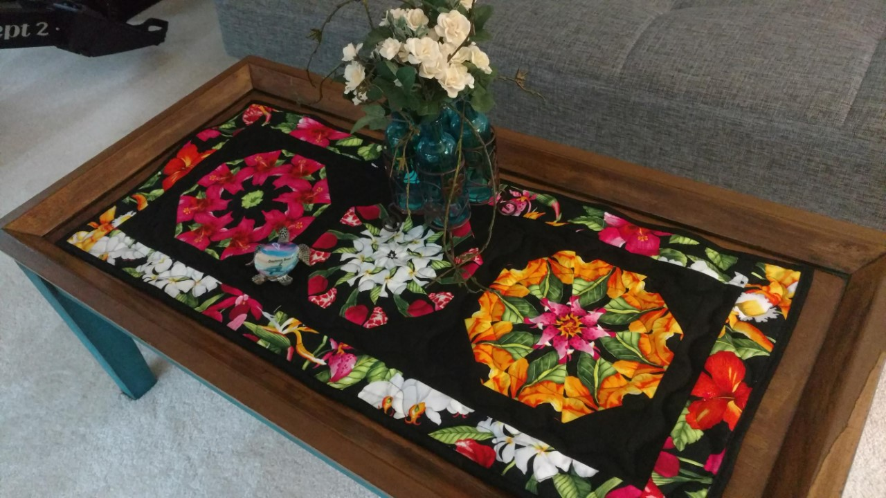 FLORAL BLOSSOM Table Runner Kit  Kaleidoscope Quilting Pre Cut Kit